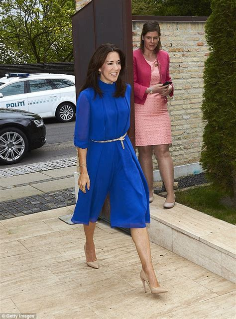 The Daily Mail Uk Fashion by Princess Dazzles In A Jumpsuit At The Deliver