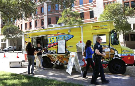 Truck Attorney San Antonio by City Rescinds 300 Foot Rule On Food Trucks San Antonio