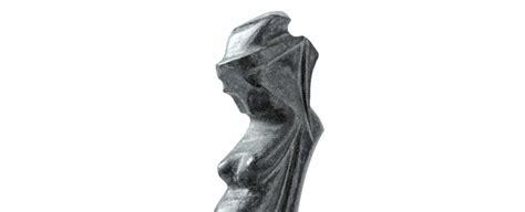 sculture maternit 224 e la stiratrice vetrine dell