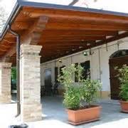 tettoie coibentate tettoie in legno pergole e tettoie da giardino
