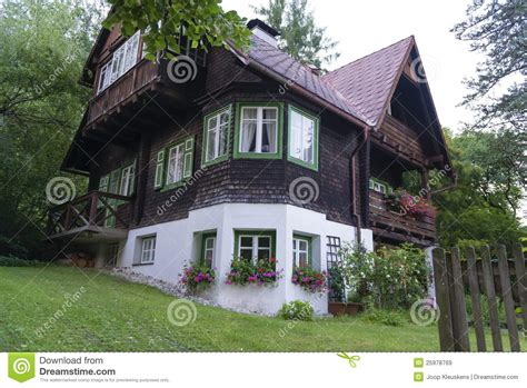 außenanlage haus traditional austrian house stock image image of
