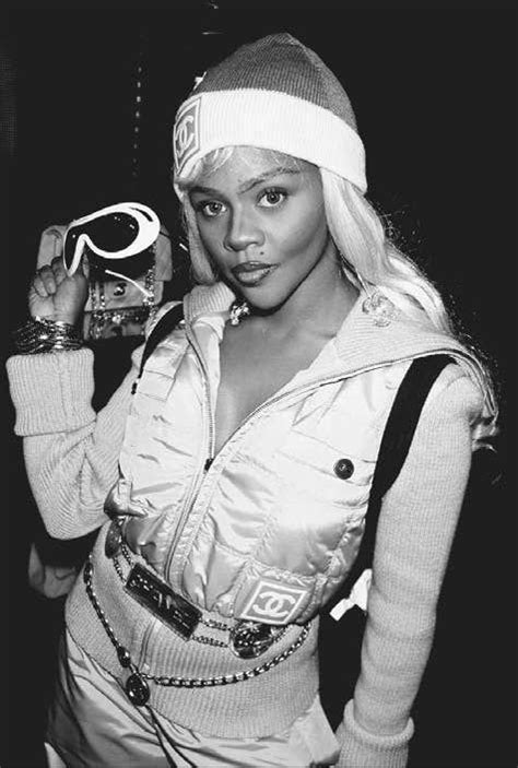 17 Pictures Of Lil Kim Wearing Chanel in 2020 | Lil kim