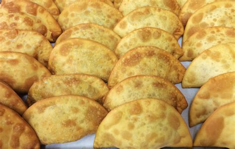 mozzarella in carrozza messinese pitoni messinesi sicilia in vetrina