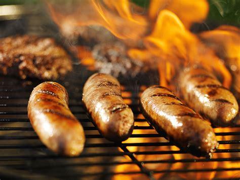 brats grill bratwurst german
