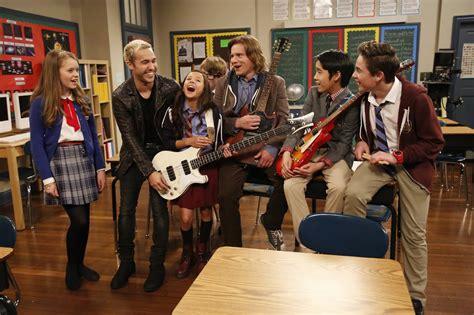 rock cast nickalive quot school of rock quot opening theme tune nickelodeon