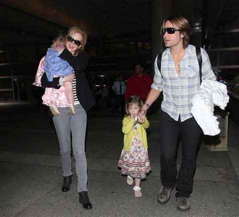 Keith Urban Photos Photos   Nicole Kidman and Family Land
