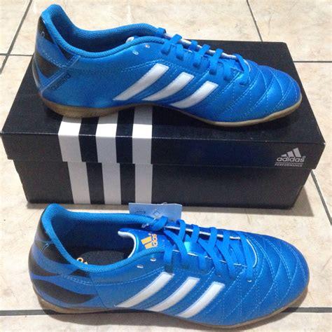 Sepatu Futsal Adidas 11questra jual adidas 11questra j biru size 38 sepatu futsal anak