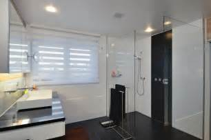 rollos badezimmer raffrollos f 252 rs badezimmer sorgen f 252 r eine vollkommene