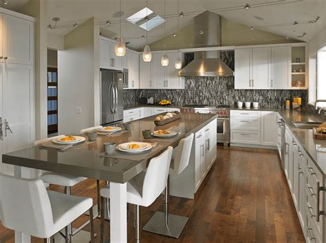 How To Design A Kitchen Island With Seating 20 Beautiful Kitchen Islands With Seating Kitchen Kitchens And Gray