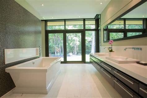 Ensuite Bathroom Design Ideas 고급 주택 인테리어 캐나다 토론토의 고급 주택 엿보기 42 Design
