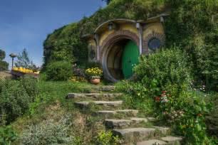 hobbit hole gallery for gt hobbit hole door inside