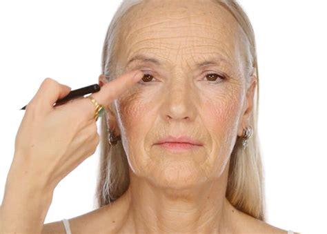 eyeliner tutorial over 50 makeup tutorial for over 50 diy makeup ideas
