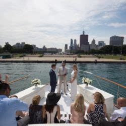 boat rental chicago wedding lake michigan chicago private yacht charter rental here