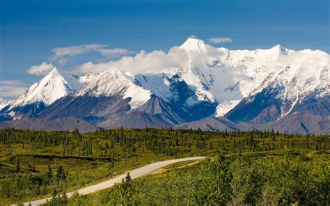 the 25 most scenic highways 4 road trips with tom america s most scenic roads travel leisure