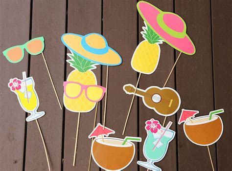 Hawaiian Luau Baby Shower Theme photo booth   Baby Shower Ideas   Themes   Games