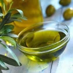 Pelembab Minyak Zaitun cara melembabkan kulit wajah dengan minyak zaitun