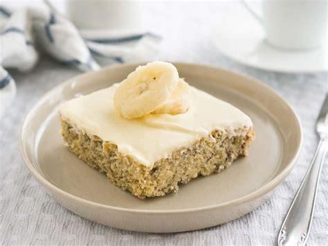 Easy Banana Cake Recipe with Mascarpone Frosting (30 minutes)