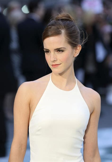 emma watson singing autotune beauty and the beast spoilers emma watson compares