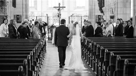 wedding ceremony etiquette walking the aisle get ready to walking the aisle with these creative ideas