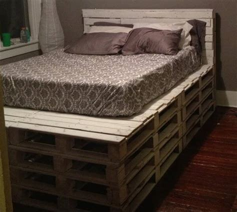 diy queen bed headboard diy queen size pallet bed with headboard