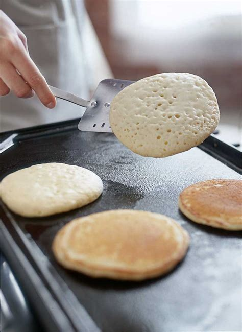 how to make pancake in less than 5 minutes cara membuat brunch 101 how to make perfect pancakes williams sonoma