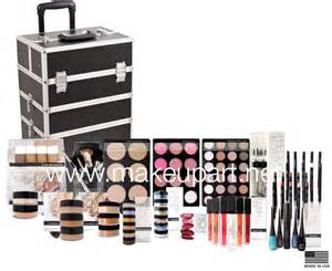 Resume 101 For Students by Professional Makeup Kit 101 Light