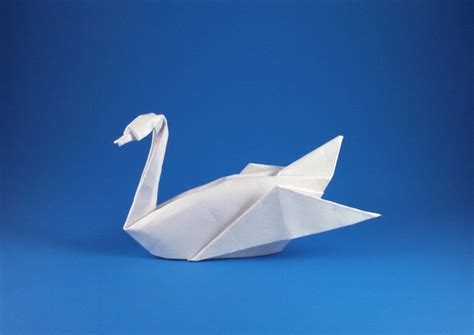 Origami Triangle Swan - yoshizawa origami exhibition catalog by