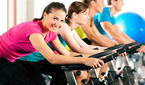 mujres asiedo mitos sobre el ejercicio grupo rivas