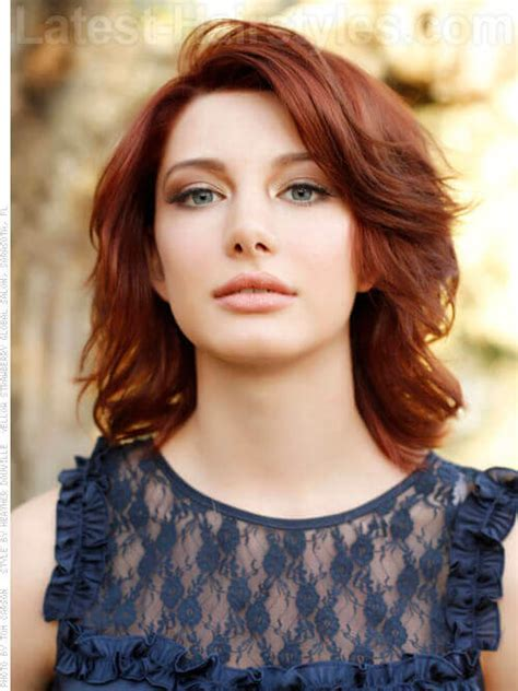 flip out gorgeous layered auburn style with side flip back short hairstyle short haircut 21 beautifully layered