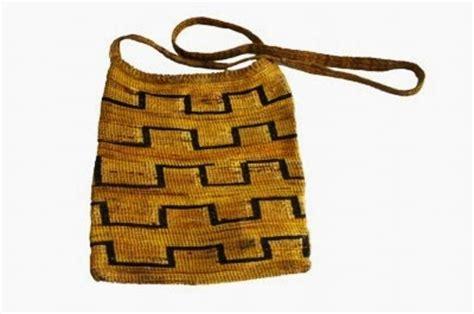 Jual Bibit Anggrek Hitam Papua noken anggrek kuning kombinasi hitam noken papua