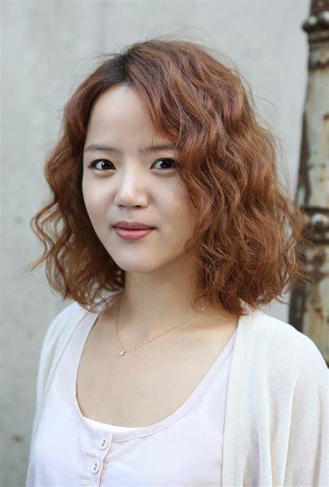 model rambut sebahu gelombang gaya rambut wanita sebahu korea terbaru gaya rambut trend