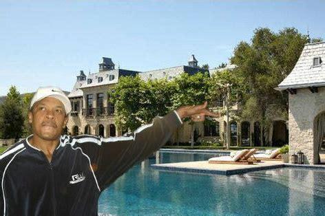 dr dre buys tom brady gisele bndchen mansion for 40m dr dre buys tom brady and gisele bundchen s moated