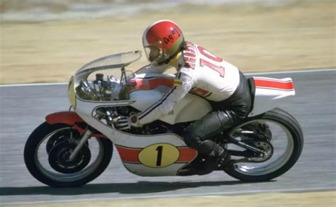 agv  multi super retro kapali motosiklet kaski mat