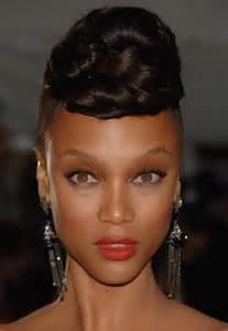 Model De Chignon Africain