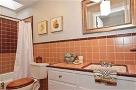 help peach brown bathroom tile vintage tile bathrooms on pinterest vintage tile