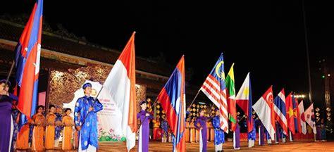penulis berbakat indonesia   hadir  festival