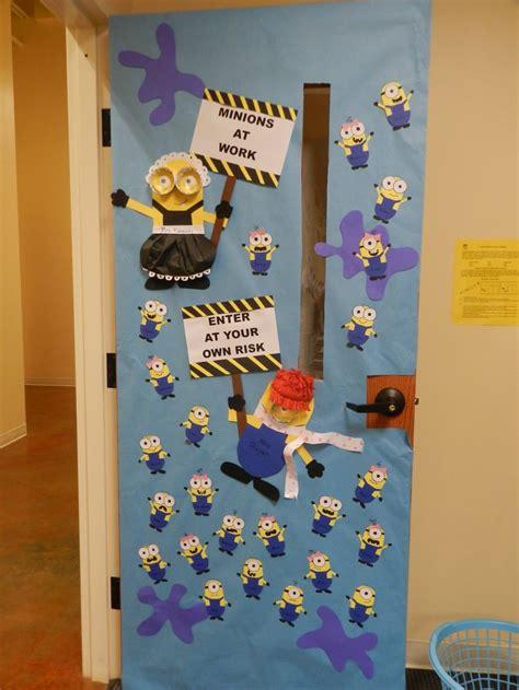 printable christmas door decorations minion classroom door decoration classroom decorations