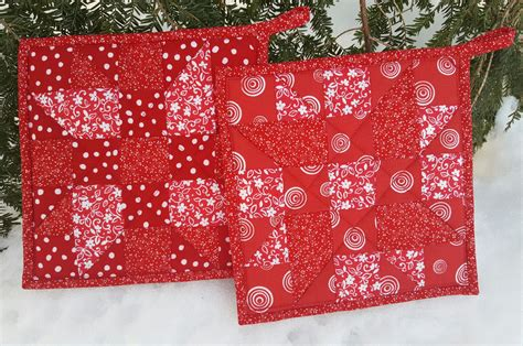 Patchwork Company - quilted patchwork potholder pair maine quilt company