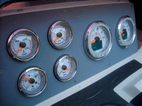 evinrude boat gauges continuouswave whaler reference evinrude icon gauges