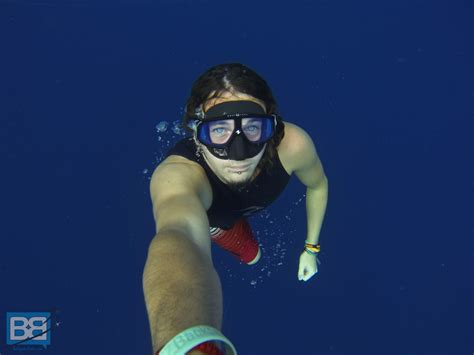 Masker Freedive into the blue learning to freedive on koh tao backpacker banter