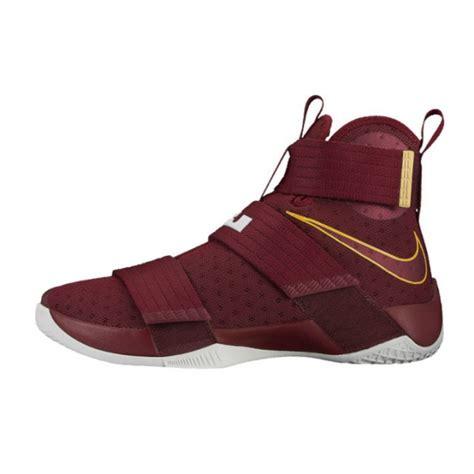 Sepatu Basket Ori jual sepatu basket nike lebron soldier 10 maroon original 844374 668 baru sepatu basket anak