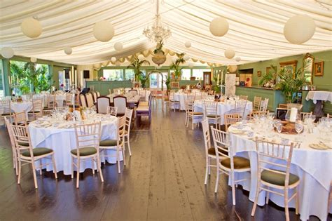 12 simple things that make a wedding reception fabulous