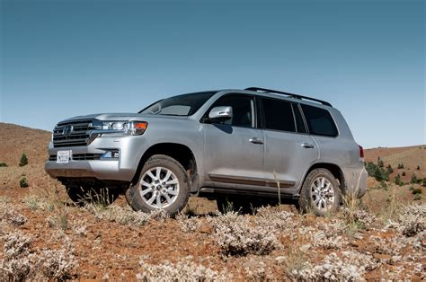 land cruiser 2016 2016 toyota land cruiser drive review motor trend