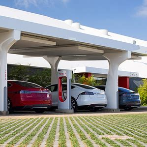 Tesla Electric Stations Tesla Cto Jb Straubel Says His Company Can Charge Electric