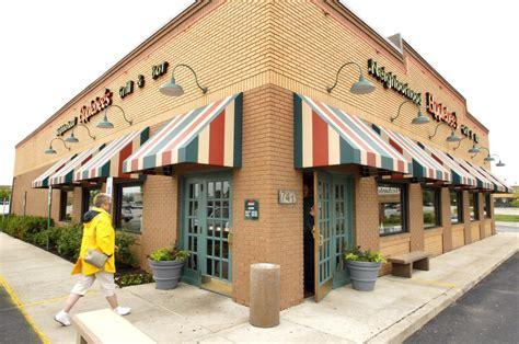 what restaurants are open thanksgiving applebee s golden corral cracker barrel olive garden