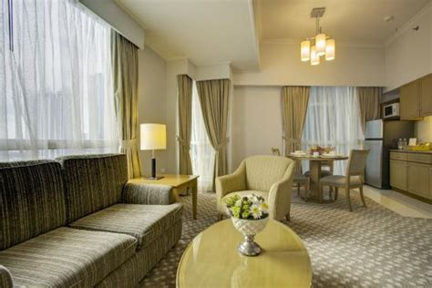 One Bedroom Suite Picture Of The Linden Suites Pasig Tripadvisor