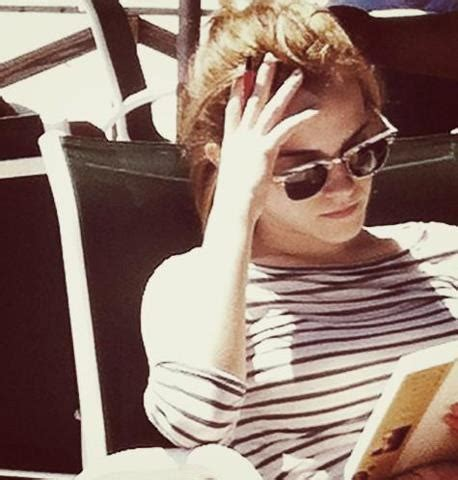 emma watson reading pin by deborah dunn on famous people reading pinterest