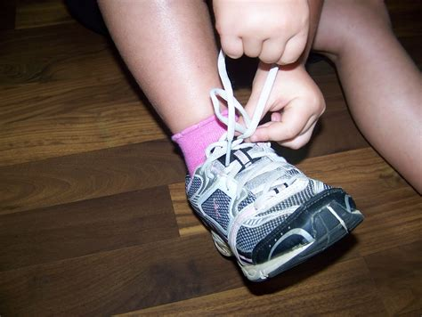 how to tie my shoes for blessings from above tie my shoe