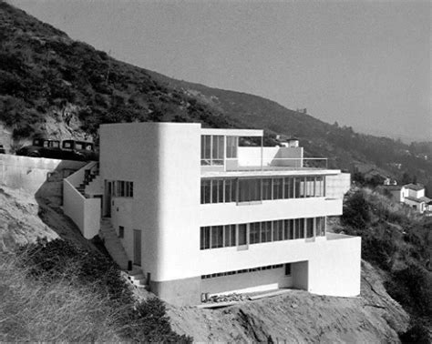 file jardinette apartments richard neutra hollywood jpg wikimedia commons gerald casale puts his hollywood hills richard neutra