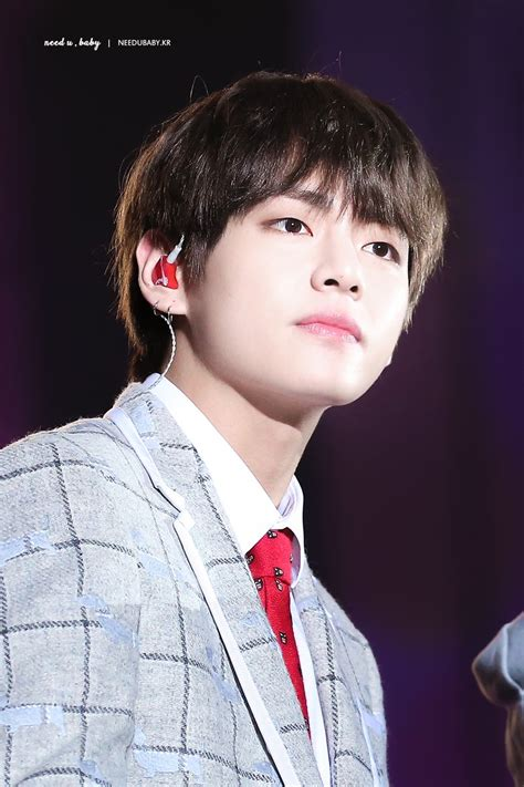 kim taehyung new hairstyle 2018 i m sorry but have you seen v s new hair color 10